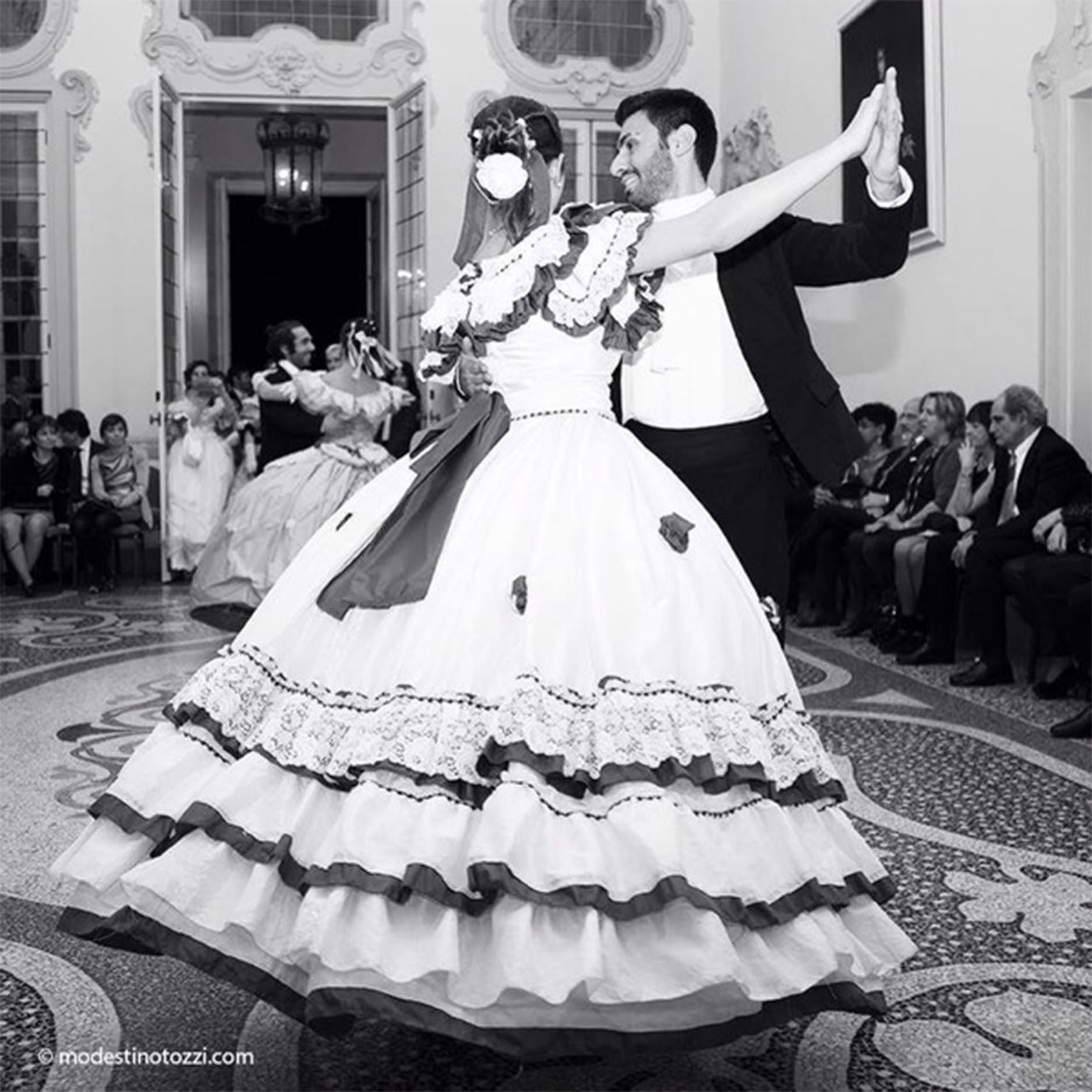 Ballo in Maschera in stile '800 - raccolta fondi